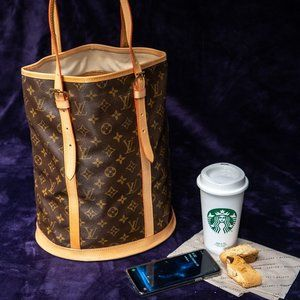 LOUIS VUITTON Bucket Monogram GM (LARGE!)